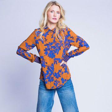 Brun skjorte med blåt print Emily van den Bergh