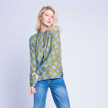 Grøn bluse med prikker Emily van den Bergh